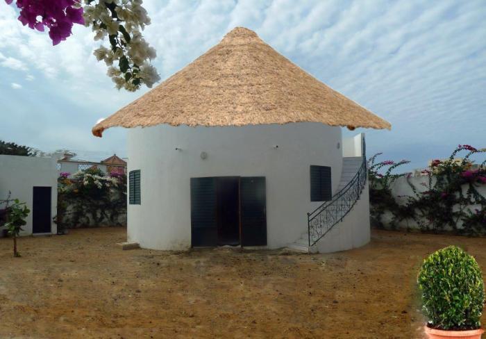villa neuve a vendre ou a louer saly carrefour. Black Bedroom Furniture Sets. Home Design Ideas