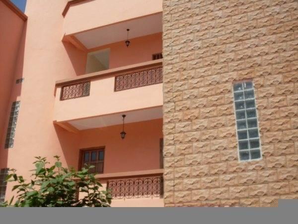 Meubles a louer 2 appartements a ouest foire dakar ref for Appartement meuble a louer dakar