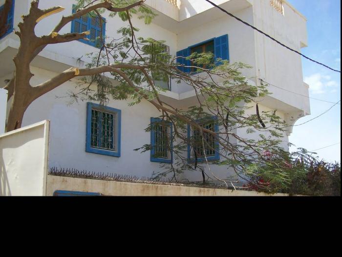 Loue Jolie Maison Récente à La Corniche De St Louis Du Sénégal