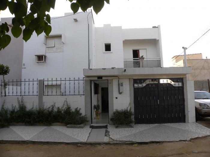 Villa vendre petit mbao dakar for Salon a vendre a dakar