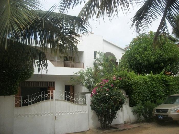 A vendre une luxueuse villa aux almadies dakar for Le jardin almadies
