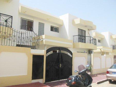 A vendre une belle villa a sipres mourtada dakar for Site de villa a louer