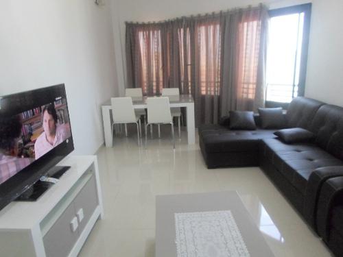 A louer studio meuble sacre c ur 3 for Appartement meuble a louer dakar senegal