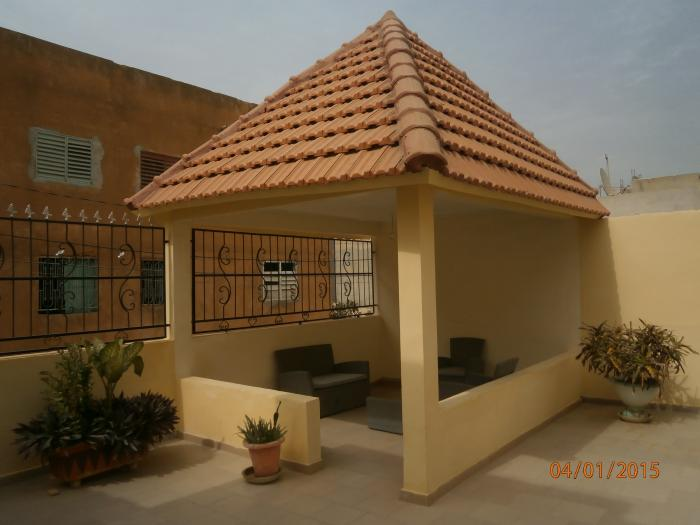 Location appartement meubl patte d 39 oie dakar for Garage patte d oie