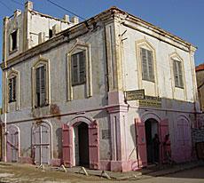Une Belle Maison Saint Louisienne Louis Est Reliée à Dakar